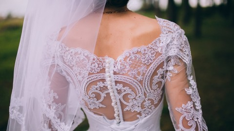 Short Wedding Dresses: A Great Alternative for Outdoor Spring or Summer Weddings