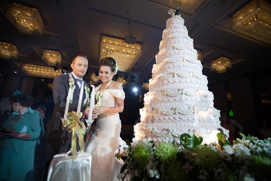 wedding cake bangkok magical time in a magical land wedding of amp paul in 21980